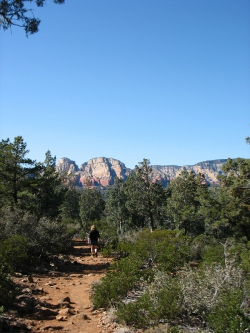 Hiking on the Brinn's Mesa trail